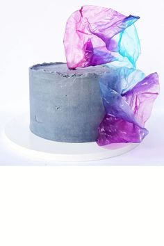 Wafer Paper Flowers, Wafer Paper Cake, Cakes Without Fondant, Cake Decorating Piping, Cookies And Cream Cake, Geode Cake, Birthday Cakes For Women, Rainbow Food, Classic Cake