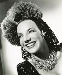 Carmen Miranda, 40s Outfits, 40s Fashion, Winter Hats, American, Sexy, 40s Clothing, Divas, Beauty