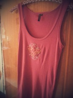wonder woman, dc, handmade, tshirt, embroidered, needlework