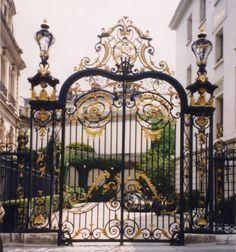 aluminium gates driveway gates wrought iron gates forged iron gates hench-14
