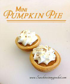 mini-pumpkin-pie http://www.sunshineinmypocket.com/mini-pumpkin-pies/