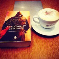 Daleko i jeszcze dalej. #bookstagram #bookworm #bookstagrampl #books #book #książka #książki #instagramczyta #czytambolubię #czytaniejestsexy #czytaniejestfajne #czytaniemoimtlenem #mólksiążkowy #fantastyka #fantasy #malowanyczłowiek #thepaintedman #thewardedman #petervbrett #fabrykasłów