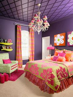 Purple Glam Deep purple walls and ceiling create a dramatic effect in this girl's bedroom. The dark background is cozy, not gloomy, thanks to vibrant greens and pinks that brighten the space and add cheerful pattern. Purple Rooms, Purple Walls, Dream Rooms, Dream Bedroom, Magical Bedroom, Plafond Design, Teen Girl Bedrooms, Little Girl Rooms, Ceiling Design