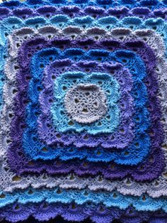 Fluffy meringue baby blanket Meringue, Heavenly, Stitches, Blanket, Crochet, Baby, Crafts, Merengue, Stitching