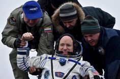 Record-long U.S. spaceflight leaves astronaut feeling sore | Reuters