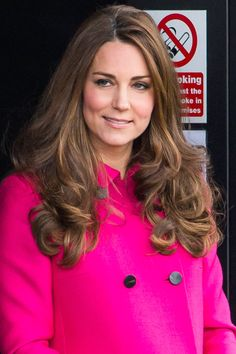 Kate Middleton Hair - Duchess of Cambridge Hair and Makeup Colored Highlights, Hair Highlights, Subtle Highlights, Duchess Kate, Duchess Of Cambridge, Kate Middleton Hair, Kate And Meghan, Celebrity Moms, Celebrity Style