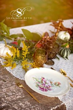 In love with this plate and the gold flatware. The possibilities are truly endless with fall colors