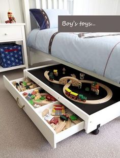 Toy storage ideas living room for small spaces. Learn how to organize toys in a small space, living room toy storage furniture, and DIY toy storage ideas. Kid Spaces, Small Spaces, Small Rooms, Play Spaces, Play Areas, Small Beds, Casa Kids, Ideas Para Organizar, New Room