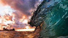 'caleidoscópio de cores' de ondas no Havaí