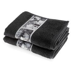 The new dark greyhandtowel by Finlayson presents a stylish comic stripfeaturingMoominpappa. The towel is made of 100 % cotton and is a great companion at home or at the summer cottage. Size 50 x 70 cm.Finlaysonin uudistuneen pyyhemalliston tummanharmaan käsipyyhkeen sarjakuvastripin kuvituksessa nähdään Muumipappa. Pyyhe on 100 % puuvillaa ja se sopii yhtä hyvin kotiin kuin kesämökillekin. Koko 50 x 70 cm.Finlaysons förnyade handduks kollektion inkluderar denna fina handduk med en…