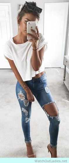 How to wear ripped jeans with nude sandals and white tee