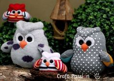 You will love to make these owl washcloths and they are perfect or a baby shower. We have included a video tutorial for you to follow along with.