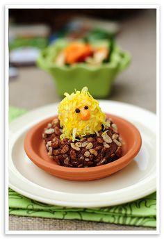 FABULOUS! Rice Krispie treat with little hatched chick! via @wearsmanyhats