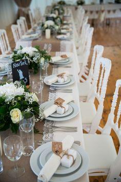 #diner #tafel #decoratie #huwelijksedankje #bruiloft #trouwen #trouwdag #huwelijk #inspiratie #idee #real #wedding #inspiration Trouwen in Overijse in België | Photography: Ilse Bruidsfotografie | ThePerfectWedding.nl