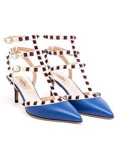 Leather Rockstud Mid Heels Valentino Source: http://www.closetonthego.com/e-shop-product/66815/leather-rockstud-mid-heels/ © Closet On The Go