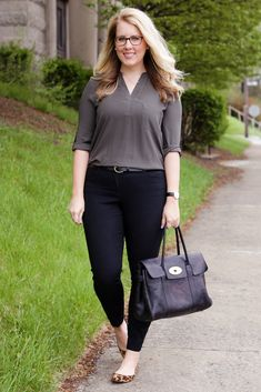 almost as comfy as jeans. (Franish) almost as comfy as jeans. (Franish) almost as comfy as jeans. Business Casual Outfits For Work, Business Professional Outfits, Cute Work Outfits, Curvy Outfits, Work Casual, Business Attire, Business Chic, Fashion Mode, Work Fashion