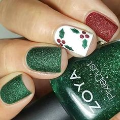 Holiday Christmas green red glitter shimmer white mistletoe nails