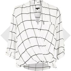 I'm shopping White check twist wrap blouse in the River Island iPhone app. Chic Outfits, Pretty Outfits, New Outfits, Pretty Clothes, Work Clothes, Work Outfits, White Wrap Top, White Tops, White White