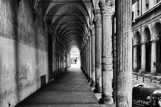 Bologna 2017, biancopiùnero. – #foto #alessandrogaziano #blog #street #italia #italy #biancopiùnero #blackandwhite #Bologna