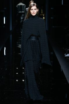 http://www.vogue.com/fashion-shows/fall-2017-menswear/balmain/slideshow/collection