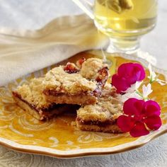 Easy Strawberry Shortbread Crumble or Crumble Bars