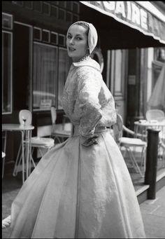 1954 Susanne Erichsen is wearing Christian Dior's cocktail ensemble, photo by F.C. Gundlach