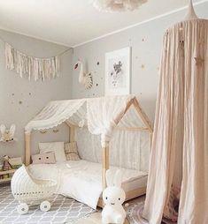 55 Best Montessori Bedroom Design For Happy Kids 0034 Çocuk Odası Baby Bedroom, Baby Room Decor, Girls Bedroom, Girl Nursery, Nursery Ideas, Childrens Bedroom, Kid Bedrooms, Bedroom Decor For Kids, Baby Girl Bedroom Ideas