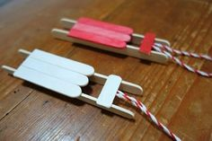 Tree decorations: sledges made from popsicles Ask mom - Tree decorations: sledges made from popsicles - Popsicle Stick Crafts, Popsicle Sticks, Christmas Balls, Christmas Diy, Crafts To Make, Christmas Crafts, Paint Your House, Bff Birthday Gift, Diy Advent Calendar
