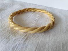 Bracelet/bangle celluloid 20s Bangle Bracelets, Bangles, Plastic Jewelry, Leather, Collection, Bracelets, Bracelets, Bangle Bracelet, Bracelet