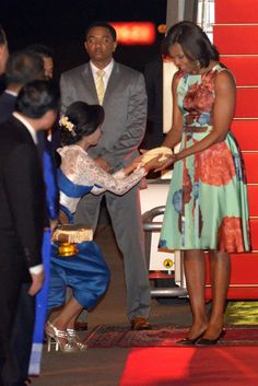 """Michelle Obama in Japan and Cambodia - Michelle Obama """"Let Girls Learn"""" - Michelle Obama Style"""