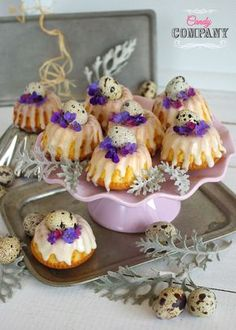 Little Easter Liqueur Cakes Mini Desserts, Easter Recipes, Pudding, Cookies, Baking, Breakfast, Cake, Food, Biscuits