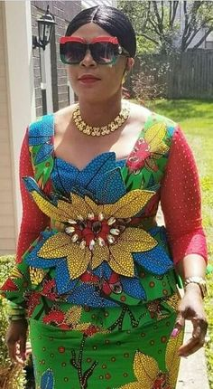 Hello mothers in the building, these ankara designs are for you all. Check out these lovely ankara designs and gowns made to satisfy you all. African Maxi Dresses, African Fashion Ankara, Ghanaian Fashion, Latest African Fashion Dresses, African Dresses For Women, African Print Fashion, Africa Fashion, African Attire, African Wear
