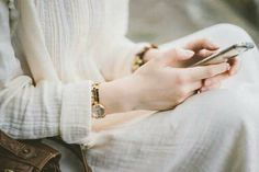 Image about gold in Darling by Justine on We Heart It Beautiful Girl Image, Beautiful Hijab, Beautiful Hands, Hand Photography, Girl Photography Poses, Photography Projects, Cute Girl Poses, Cute Girl Pic, Girly Dp