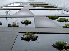 terrasse wasserspiegel betonplatten steine Catherine Mosbach
