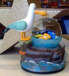 Disney Finding Nemo Seagull Mine Snowglobe