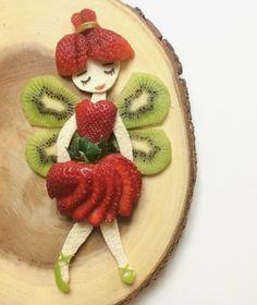 Strawberries & kiwis always compel me to make som - Food Carving Ideas Cute Food, Good Food, Fruits Decoration, Food Art For Kids, Food For Children, Food Carving, Food Garnishes, Garnishing, Snacks Für Party