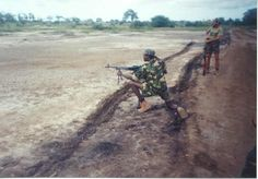 executive outcomes 1993. Robson(EX RECCE) on the PKM. Private Military Company, Military Pictures, My Land, Guerrilla, Cold War, Sierra Leone, South Africa, Army, African