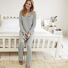 Discover our luxury nightwear, from cotton robes & cosy slipper boots & warm pyjamas for women at The White Company. Shop our cashmere socks & slippers online. White Company Pyjamas, The White Company, Post Baby Fashion, Luxury Nightwear, Cashmere Socks, Pajamas Women, Pajama Set, Lounge Wear, How To Wear