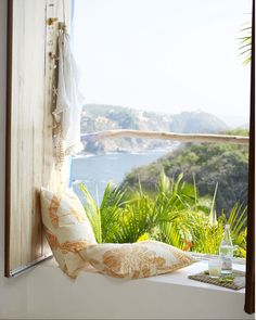 Another dreamy window seat