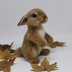 Осенний кролик Руди #кролик #крольчонок #осень #игрушкиизшерсти #сухоеваляние #авторскиеигрушки #игрушкиручнойработы