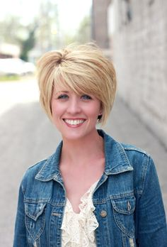 really cute short hairstyle  -- front view