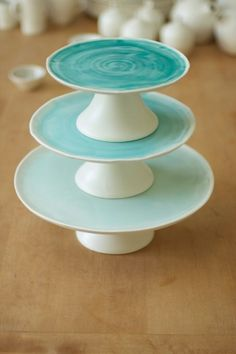 Linda Bloomfield's Cake Stands commissioned for use at the Royal Albert Hall, London. Yep, thought you might. Glazes For Pottery, Ceramic Pottery, Pottery Handbuilding, Cake Platter, Pottery Classes, Ceramics Projects, Colorful Cakes, Pottery Studio, Kitchenaid