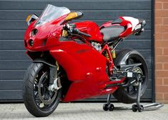 My bike in the future-ducati 999 Ducati 999r, Ducati Superbike, Ducati Cafe Racer, Ducati Motorcycles, Custom Motorcycles, Custom Baggers, Custom Sport Bikes, Motosport, Supersport