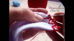 Crochê de uma carreira com cercadura em formato de coração. Criação Ateliê Marcilene Drechsler.