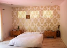 Google Image Result for http://g-cdn.apartmenttherapy.com/2854364/Alan-32_rect640.jpg - wallpaper one wall of a room