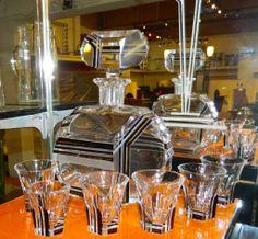 1stdibs.com | Modernist Black Gold Czech Glass Decanter Set Art Deco