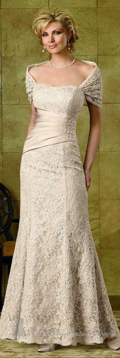 Nice Elegant knee length dresses 13 Gorgeous Wedding Dresses for Older Brides Second Wedding Dresses, Stunning Wedding Dresses, Beautiful Gowns, Mothers Dresses, Special Dresses, Older Bride, Groom Dress, Bridal Gowns, Ideias Fashion