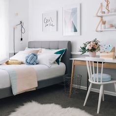 Inspiração quarto de solteiro escandinavo. #decoracao #decor #interiordesign #quarto #bedroom #inspiration #diydecor #inspiracao #decoracion #decoration #clean #escandinavo #boatarde #nordico Fonte: Pinterest