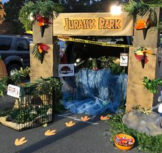 Jurassic Park Trunk or Treat Birthday Party At Park, Dinosaur Birthday Party, 5th Birthday, Holidays Halloween, Halloween Themes, Halloween Party, Festa Jurassic Park, Jurassic Park Costume, Park Party Decorations