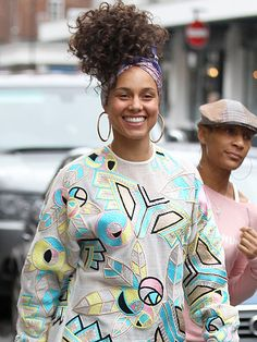 Star Tracks: Thursday, June 2, 2016 | BARE & BEAUTIFUL | Alicia Keys radiates as she steps out sans makeup in London on Wednesday.